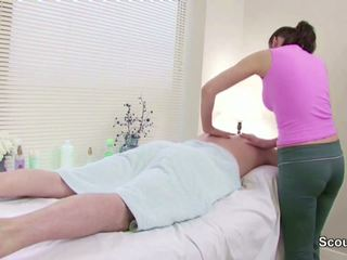 Stranger Seduce Masseuse to Fuck in Massage Parlour.