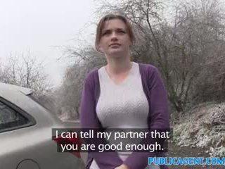 Publicagent innocent shopper gets fodido em um carro para modelling trabalho