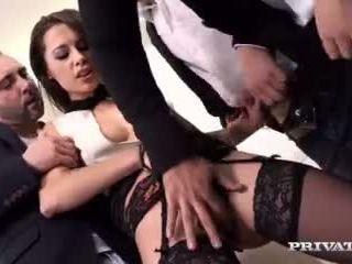 kuuma ruskeaverikkö verkossa, kiva syvä kurkku tarkistaa, hauska anal sex kiva