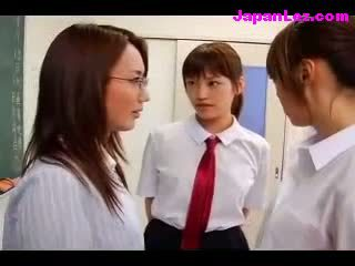 Asian Schoolgirl Gets Her Pussy Nice Sucked in Threesome