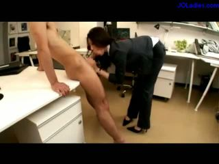 Office Lady Giving Blowjob While Pussy Stimulated With Vibrator By Other Guy Cum To Mouth In The Office