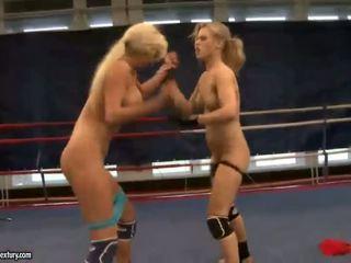 echt lesbisch, heet lesbische strijd, een muffdiving porno