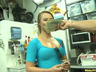Jmac convinces lindsay إلى تذهب كل ال طريق إلى ل نقود