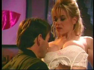 Kaitlyn ashley klubs kiss