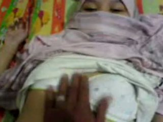 Asiatiskapojke flicka i hijab groped & preparing till har kön