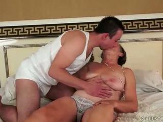 Poredne grandmas analno seks kompilacija