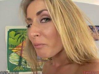 Sperma eating blondinė abby kirsti pakliuvom į throat