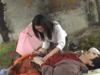 Smut tailandesa vagina fodida por surpresa!