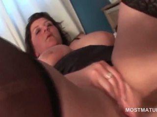 Reusachtig titted rijpere bbw masturberen haar bald vet