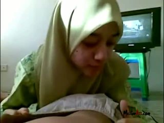 Hijab נוער מוצצת ביצים
