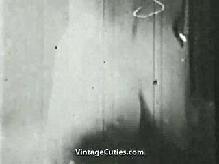 Vrouw spelen met een reusachtig lul