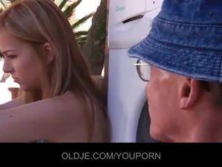 सेक्स किशोर, बिग डिक, बिल्ली के बाल काटे