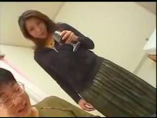 Japanska momen teaches son english