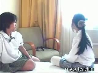 Barely legal tailandesa cuties ter frisky