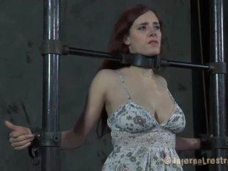 Slut Has Vigorous Cunt Prodding
