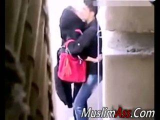 Hijab përjashta seks 2