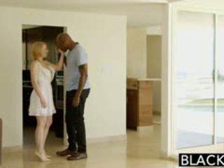 Blacked blonda babysiter trillium fucks ei negru sef
