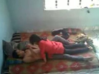 Bangladeshi medico studente con bf in mess (leaked)