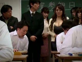Hitomi tanaka - 아래로 와 그것 pmv