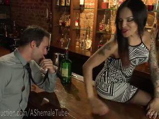 Patron's pakaļa pounded līdz bartender