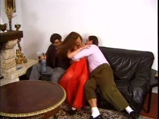 Karina - tiener frans geneukt door two gemeen guys