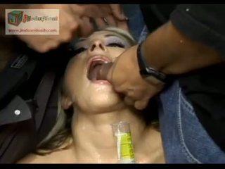 Swallowing everyones sperma - amerikaans gokkun chelsie rae