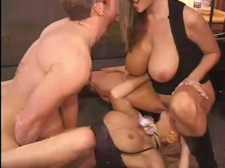 Caliente kelly madison y michelle b gets su dulce coños hammered duro
