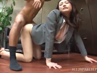 Tsuna nakamura has banged di an bagus posisi di an kantor
