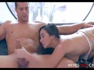 Varanje vroče najstnice žena fucks husbands poslovni partner