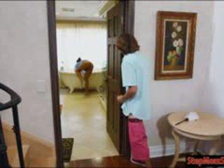 Nxehtë shërbyese abby lee brazil 3she me mdtq