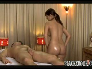 جميل مفلس masseuse منح orgas