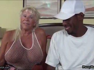 72 jaar oud grootmoeder craves groot zwart lul: gratis porno d4
