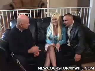 Krūtainas sieva carson trijatā