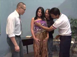 3 ラッキー guys licking 1 かわいい インディアン 妻