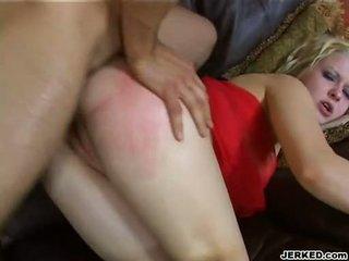 Nxehtë i artë haired aaralyn barra receives të saj i ngushtë bythë rammed i vështirë