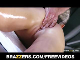 Abbey brooks šťastný ending masáž