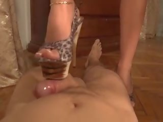 Shoejob: Homemade & High Heels Porn Video 7e