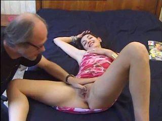 Un vieux se tape une jeune, Libre 18 years luma pornograpya video 92