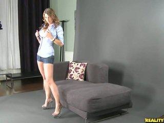 Katerina met haar verbazingwekkend groot natuurlijk tieten