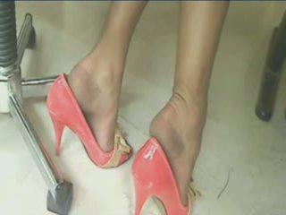 Fantasti Legs Feet and Shoes!