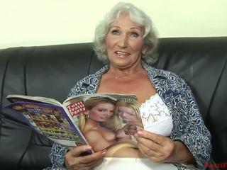 סבתות, ציצים טבעיים גדולים, פורנו hd