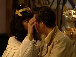 Cleopatra 肛交 和 面部