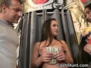 Brunete amatieri nepieredzējošas loceklis par sīknauda laikā nauda talks stunt