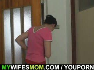 Oldie fucks henne datter s mann