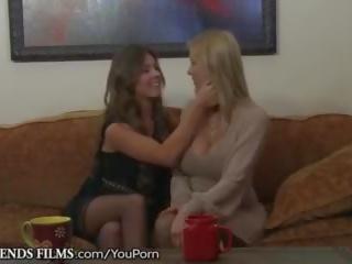 Girlfriendsfilms alexis fawx unleashes lesbisch desires