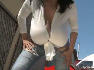 সোলো মেয়ে, বিশাল tits, বহিরঙ্গন