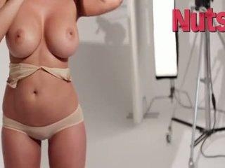 big boobs, lésbica, ao ar livre