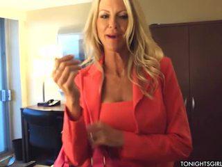 Blondīne emma starr bonking onto tonights female
