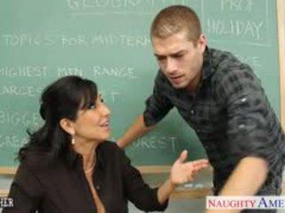 Chesty barna tanár tara holiday baszás