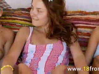 gadis, 3some, 18 tahun